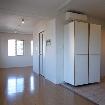 窓を開け放ちたくなるようなお部屋です。※写真は5階の同間取り別部屋のものです