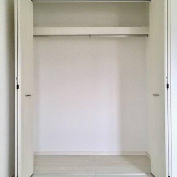 【5.5帖洋室】収納もしっかりサイズ。