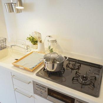 【使用イメージ】シンクも調理スペースも広くて毎日の料理が楽しそう!