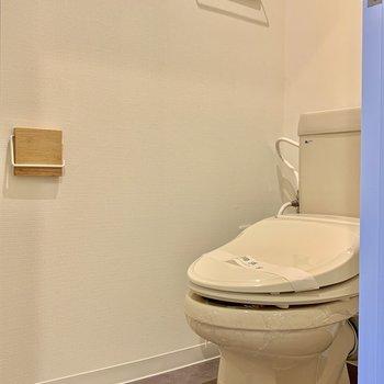 小物類はお部屋のイメージと併せて新しく設置