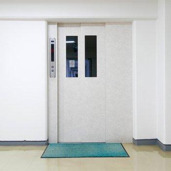 エレベーターもあるので移動もらくらく!2基ありますよ!