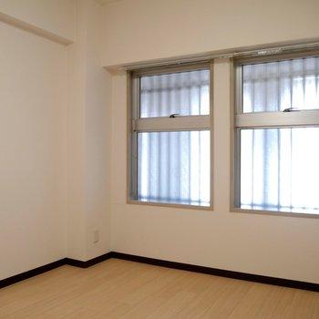 玄関側の5.5疂の洋室です◎寝室にいい間取りかな??
