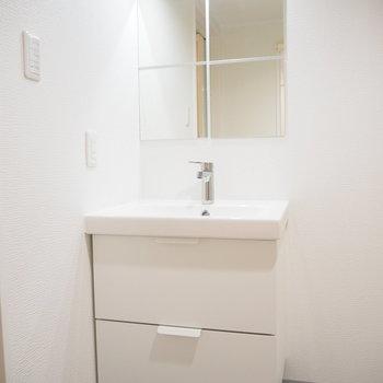 洗面台です。無駄がなくシンプルでかわいい。