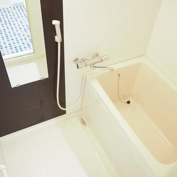 シャワーヘッドがシンプルで良き。
