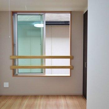 2階の洋室。※写真は同タイプの別室