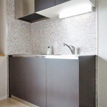 モザイクタイルがかわいいキッチン♡※写真は同タイプの別室。