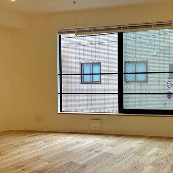 【LDK】風通しの良い空間※写真は2階の同間取り別部屋のものです
