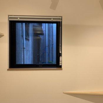 【寝室】窓も付いているから、嬉しいですよね※写真は2階の同間取り別部屋のものです