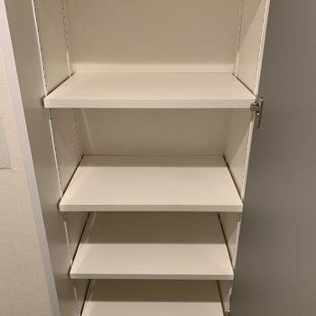 靴はこちらに収納して下さいね※写真は2階の同間取り別部屋のものです