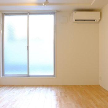 温かい光が入ります。(※写真は1階の同間取り別部屋のものです)