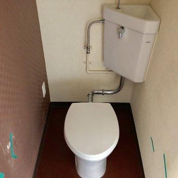 トイレはシンプルです。。!(※写真は清掃前のものです)
