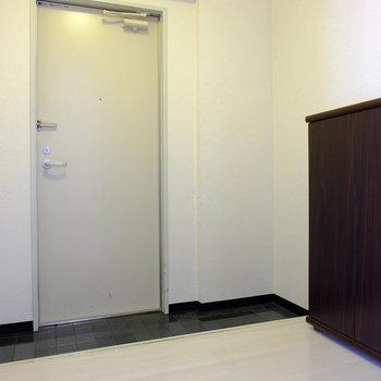 玄関にはシューズボックスあり