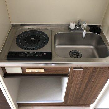 キッチンはコンパクト・・シンクトレーを使いましょう!(※写真は7階の同間取り別部屋のものです)