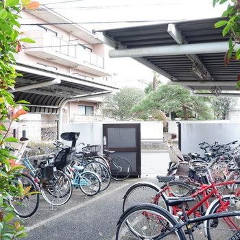 駐輪場は屋根付き◎