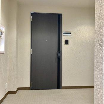 3階共用部はこんな感じです。