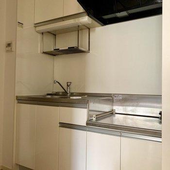 食器の水切棚も。※写真は通電前のものです