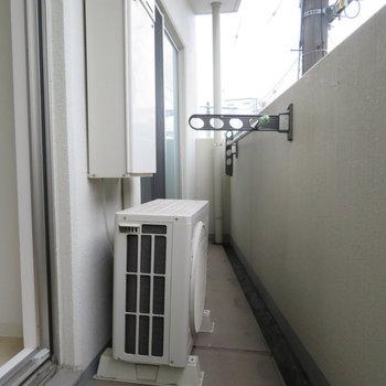バルコニー狭め(※写真は3階の同間取り別部屋のものです)