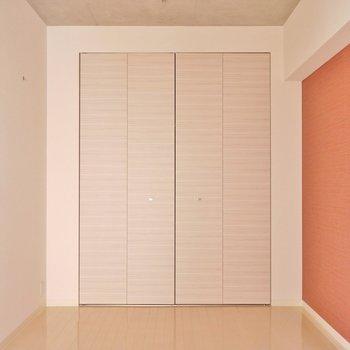 大きな収納スペースも確保。※写真は同タイプ別部屋。