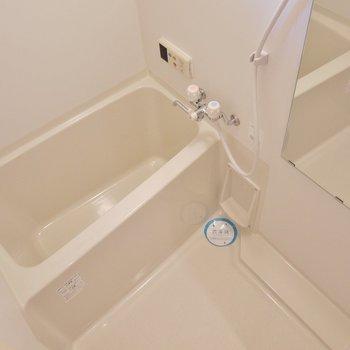 浴室乾燥付き。※写真は同タイプ別部屋。