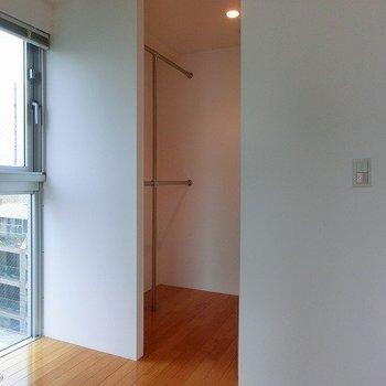 ウォークインクローゼットです※写真は8階の同間取り別部屋のものです