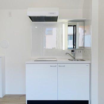 キッチンは洗面台にもなります。