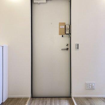 玄関がこちら。※写真は前回募集時のものです