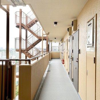 とってもきれいな共用廊下。