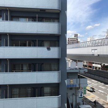 4階から眺める青い空。 気持ちいい〜