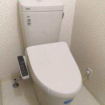 トイレはもちろんウォシュレット付きに