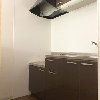 キッチンは収納もたくさんっ(※写真のお部屋は清掃前のものです)