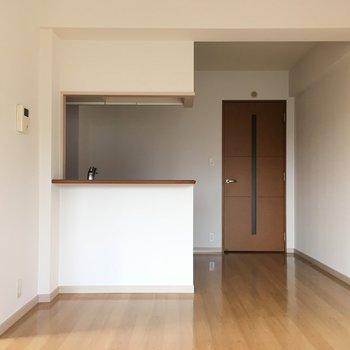 対面キッチンは料理するのも楽しくなっちゃう♫(※写真は4階の反転間取り角部屋のものです)