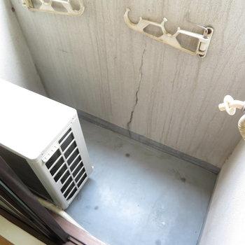 洗濯機置場はこちらに。そのおかげでお部屋が広く使えます。