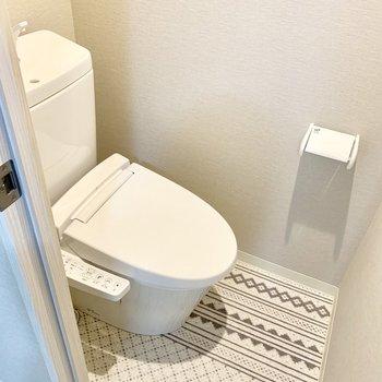 トイレもめっちゃカワイイ。段差がなくてお掃除もしやすそう。