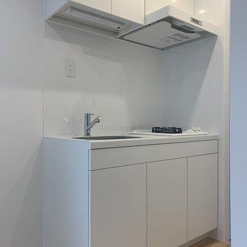 白色のキッチン※写真は前回募集時のものです