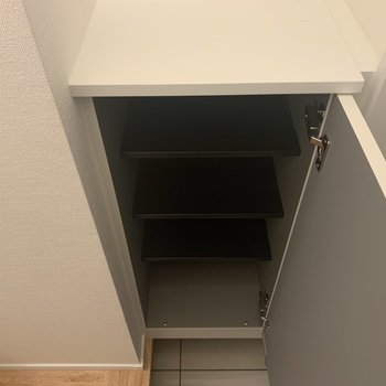 【1階】靴はこちらに収納してくださいね