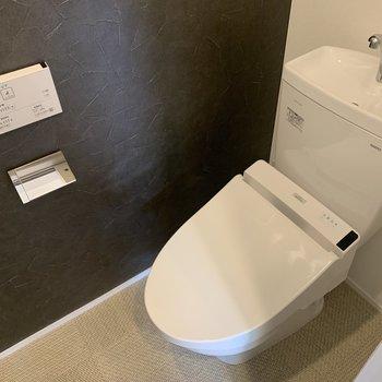 【2階】嬉しい、温水洗浄便座