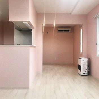 ピンクかわいいー!家具はホワイトで決まり!
