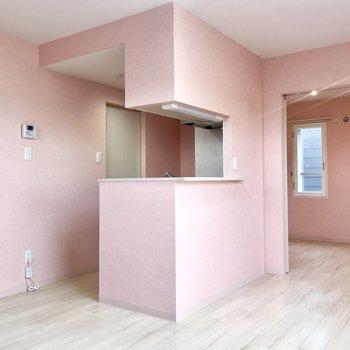かわいいモノ好きの女の子集合ー!ピンクのお部屋だよ!