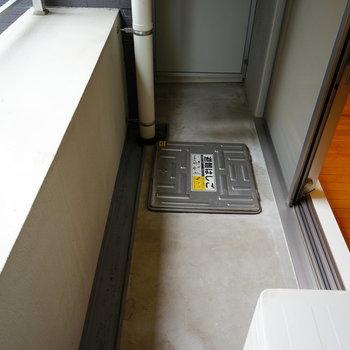 バルコニーもちゃんとね♪※写真は3階の反転似た間取り別部屋のものです