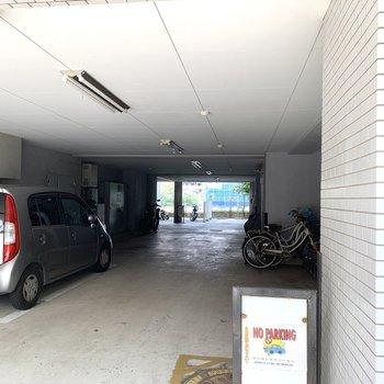 駐輪場も付いていますよ。