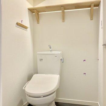 脱衣所兼トイレはゆったりと。