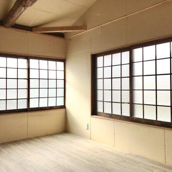 ちなみにあれは障子ではなく、窓です!