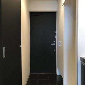 スラッとした玄関です。