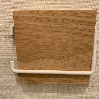 木製のペーパーホルダー♪