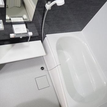お風呂は浴室乾燥機能付き!