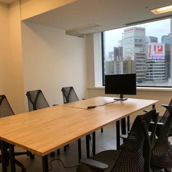 貸会議室② ホワイトボード、モニターと設備が整っています。