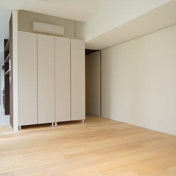 居室は無垢床です♪※写真は3階の同間取り別部屋のものです
