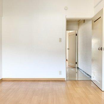 【洋室②】ここは自分部屋にできそうです。(※写真は1階の同間取り別部屋のものです)