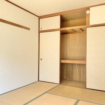 【和室】収納はたっぷりと。(※写真は1階の同間取り別部屋のものです)