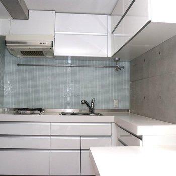 【1階】キッチン広いですね。